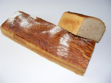 chleb zytni naturalny