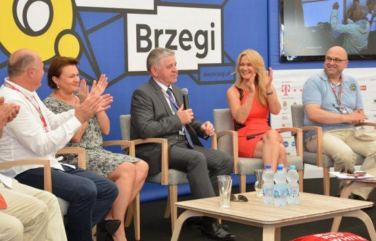 Konferencja prasowa otwierająca Festiwal Dwa Brzegi z udziałem Grażyny Torbickiej i marszałka województwa Sławomira Sosnowskiego.