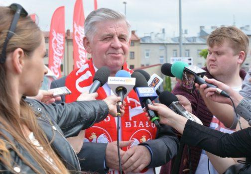 Marszałek Sławomir Sosnowski podczas konferencji prasowej.