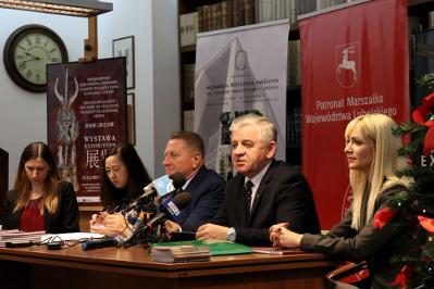 Marszałek Sławomir Sosnowski podczas konferencji