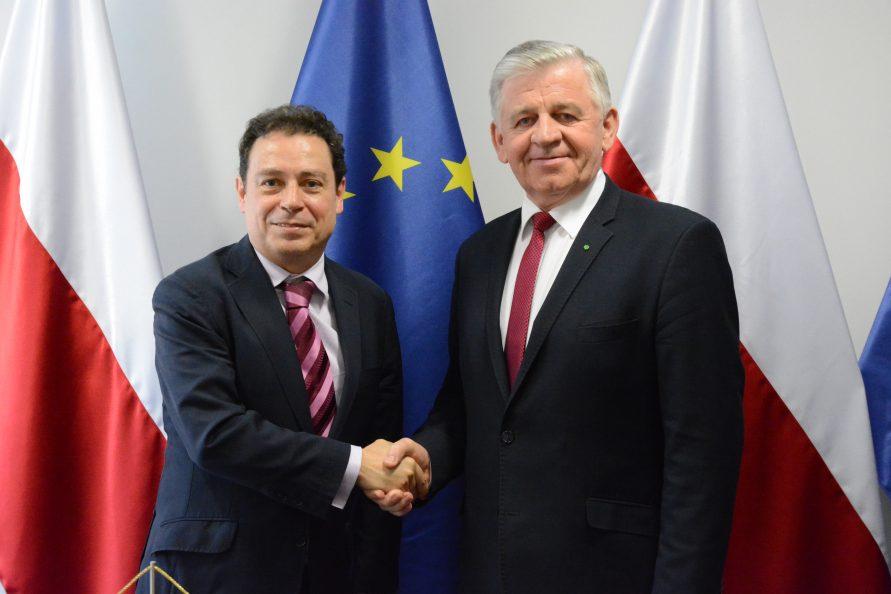 Marszałek Województwa Lubelskiego Sławomir Sosnowski oraz ambasador Królestwa Hiszpanii Francisco Javier SANABRIA VALDERRAMA