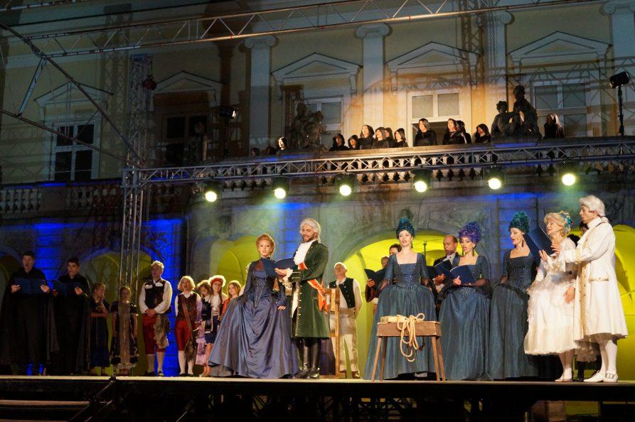 Artyści biorący udział w Festiwalu