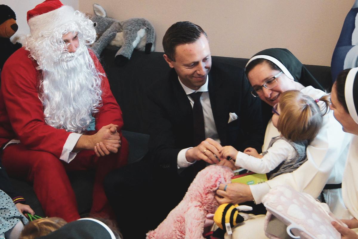 Święty Mikołaj odwiedził Rodzinne Domy Dziecka w Lublinie