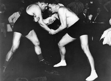 zdjęcie przedstawia Teodor Sztekker w walce