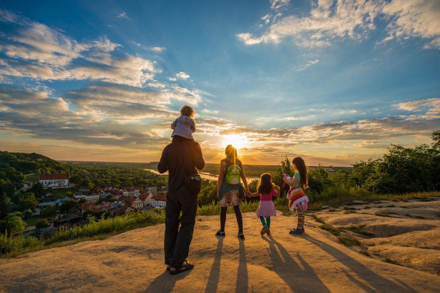 Bon Turystyczny – wsparcie dla turystów i branży turystycznej