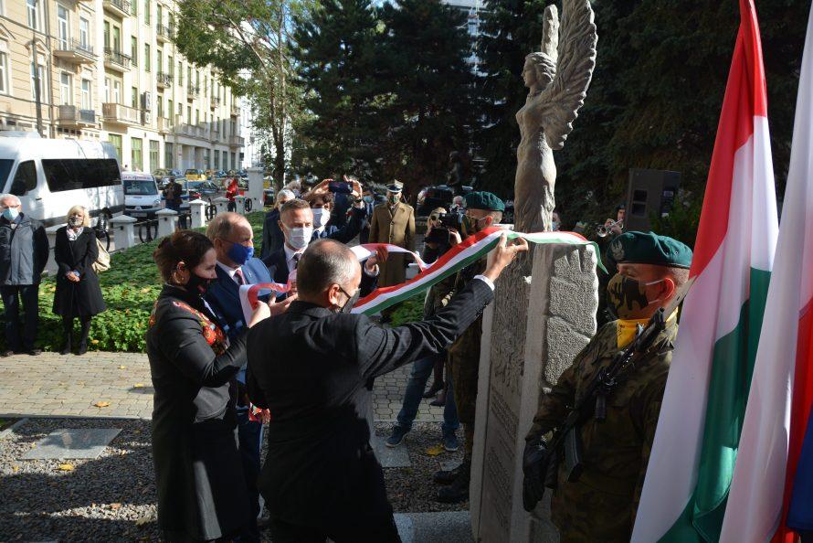 W Lublinie stanął pomnik w podziękowaniu za solidarność z Węgrami w 1956 r.