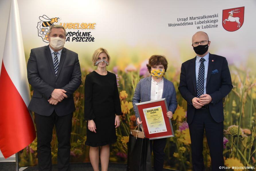 Nagrodzeni za wiedzę o pszczołach