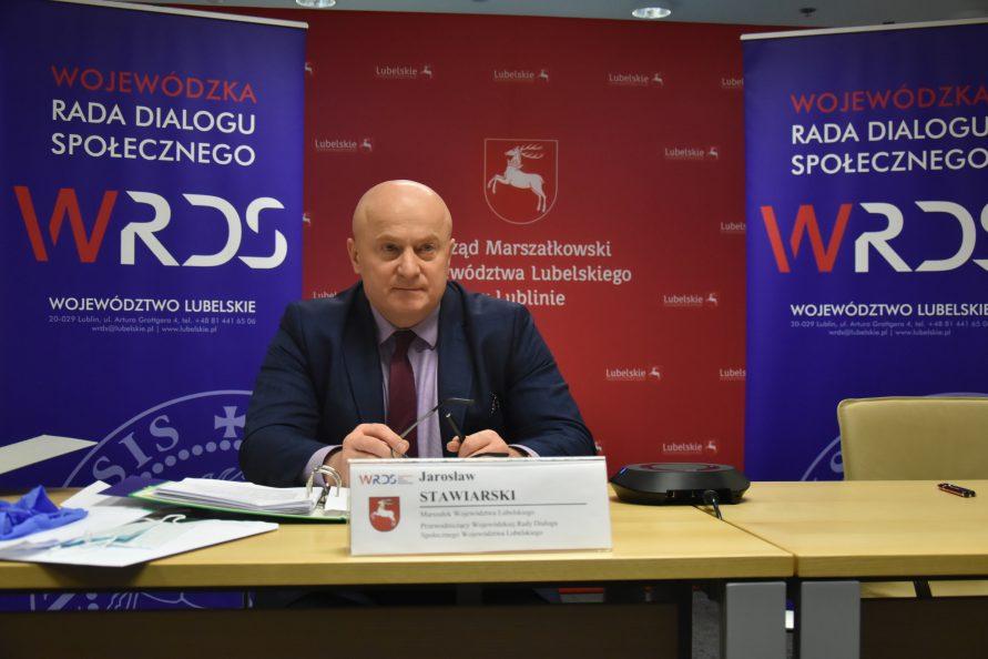 Przewodniczący Wojewódzkiej Rady Dialogu Społecznego Województwa Lubelskiego - Jarosław Stawiarski podczas posiedzenia plenarnego WRDS WL w dniu 15 kwietnia 2021 r.