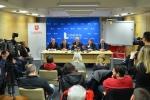 Konferencja prasowa Zarządu Województwa Lubelskiego poświęcona programowi 100 km dróg w każdym powiecie na 100. rocznicę odzyskania przez Polskę niepodległości.