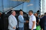 Wicemarszałek Sebastian Trojak (w środku) gratulował wszystkim zwycięzcom organizowanych w Baszni konkursów na najciekawsze stoisko i najlepszy smak wschodniej Polski (© festiwalkresow.pl)