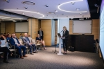 Anna Pawlak, dyrektor Departamentu Cyfryzacji, przedstawia prezentację.