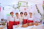 W festiwalu kulinarnym uczestniczyła m.in. zastępca dyrektora Departamentu Rolnictwa i Rozwoju Obszarów Wiejskich UMWL, Elżbieta Katarzyna Kędzierska (w środku)