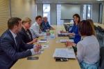 Na zdjęciu delegacja z Obwodu Tarnopolskiego wraz z pracownikami Urzędu Marszałkowskiego uczestniczącymi w spotkaniu roboczym