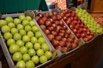 Na konferencji nie mogło zabraknąć jabłek (fot. facebook.com/centrumkongresoweup)