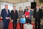 Pamiątkowe zdjęcie z organizatorami i samorządowcami zaproszonymi do współudziału w projekcie. Pierwszy z prawej: starosta lubartowski Fryderyk Puła