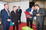 Gratulacje laureatowi składał starosta lubelski Paweł Pikuła