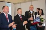 """Drugi z prawej: Tomasz Strawa z Wólki Kolczyńskiej zajął III miejsce w kategorii """"ogrodnictwo"""""""