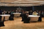 Gala finałowa konkursu Rolnik z Lubelskiego 2020. przy okrągłych stołach siedzą laureaci. Widok ogólny