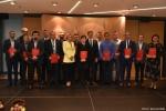 Gala finałowa konkursu Rolnik z Lubelskiego 2020. Zdjęcie grupowe wyróżnionych i laureatów