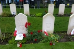groby polskich żołnierzy na cmentarzu w Oosterbeek