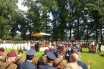 oficjalna uroczystość upamiętniająca na cmentarzu w Oosterbeek