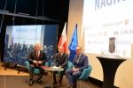 Od lewej marszałek Sławomir Sosnowski, prezydent Krzysztof Żuk i Piotr Kowalczyk przewodniczący rady miasta