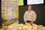 Do degustacji regionalnych smakołyków wpisanych na ogólnopolską Listę Produktów Tradycyjnych zaprasza Jerzy Moń, producent serów ekologicznych