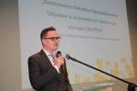 Projekt dostosowania Zakładów Zagospodarowania Odpadów w województwie lubelskim do wymagań dla RIPOK przedstawił Michał Suchodolski z Departamentu Wdrażania Europejskiego Funduszu Rozwoju Regionalnego UMWL
