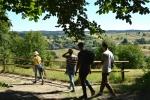 Turyści na ścieżce w Roztoczańskim Parku Narodowym. Fot. S. Turski, archiwum UMWL