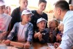 Wybornej uczcie lubelskich smaków towarzyszyły warsztaty wypieku tradycyjnego pieczywa, w tym cebularza lubelskiego (który w 2014 roku – jako pierwszy z naszego regionu – uzyskał unijny certyfikat CHOG – Chronione Oznaczenie Geograficzne), a także chałek i bułek