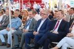 W gronie VIP-ów siedział reprezentujący marszałka województwa lubelskiego z-ca dyr. Łukasz Gołąb (trzeci z prawej)