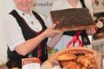 W ofercie nie może zabraknąć tradycyjnego regionalnego pieczywa (fot. Tomasz Makowski/UMWL)
