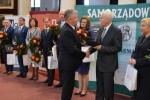 Wręczenie nagrody marszałkowi Sławomirowi Sosnowskiemu
