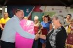 Nagroda marszałka za najsmaczniejszy produkt dla soku z czarnego bzu odbiera Marianna Płachta z Gospodarstwa Agroturystycznego Gościniec nad Wieprzem