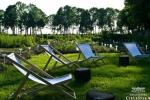 W ogrodzie przy pałacu w Cieleśnicy (fot. facebook.com/pg/manufakturacielesnica)