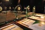Dyplomy i statuetki dla finalistów (fot. cdr.gov.pl)