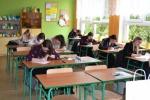 Każdy uczestnik zmagań musiał przejść etap pisemny złożony z sześćdziesięciu pytań testowych (© ZSR w Kijanach)