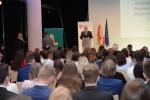 Goście słuchający przemówienia marszałka Sławomira Sosnowskiego