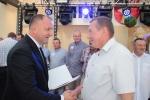 Medale dla czołowych producentów ziół wręcza wicemarszałek Grzegorz Kapusta