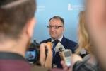 Wicemarszałek Grzegorz Kapusta Udziela wywiadu lokalnej i regionalnej prasie