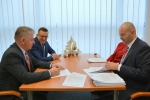 W podpisaniu umów udział wzięli: marszałek województwa lubelskiego Sławomir Sosnowski, Marcin Czyżak dyrektor departamentu WEFRR oraz prezydenta miasta Zamość Andrzej Wnuk