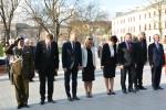 Przedstawiciele władz województwa lubelskiego oddają hołd zmarłym
