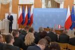 Marszałek Województwa lubelskiego Sławomir Sosnowski występuje podczas konferencji w Łańcucie.