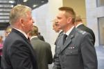 Marszałek składa życzenia przedstawicielom służb mundurowych