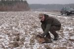 Akcję nadzorują pracownicy Departamentu Rolnictwa i Środowiska – na zdjęciu Tomasz Mizura