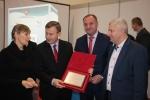 Od lewej: Małgorzata Bogudzińska, wicemarszałek Krzysztof Grabczuk, wicemarszałek Grzegorz Kapusta, Dariusz Bogudziński